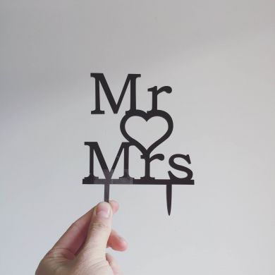 Topper: Mr + Mrs #4