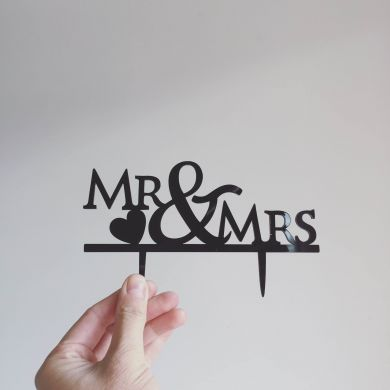 Topper: Mr + Mrs #2